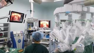 """当今国际最先进""""达芬奇""""机器人 泌尿外科精准手术""""划时代""""意义的技术革新"""