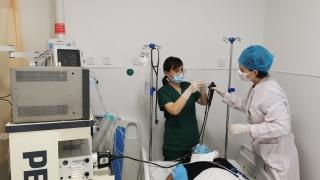 我院呼吸与危重症医学科接诊并成功救治一例气管异物患者