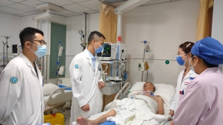 呼吸与危重症医学科成功救治两例高难度支气管异物患者