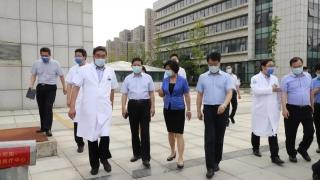省政府副秘书长王思源来院指导疫情防控工作